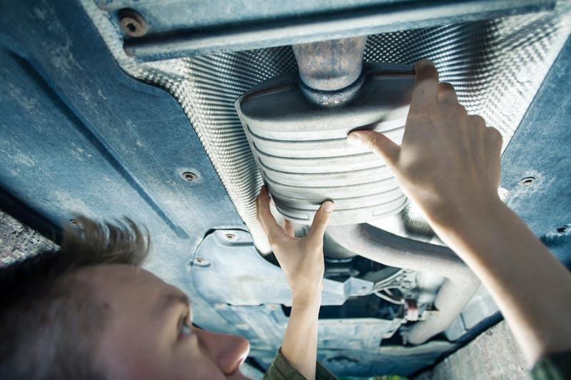 Auspuff-reparieren-Autowerkstatt-München